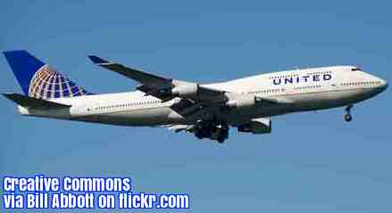 An ESL lesson on United Airlines  - Man dragged off plane will sue United Airlines